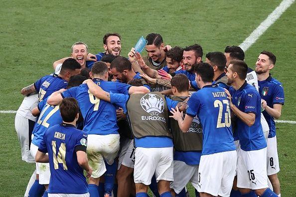 italy celebrating their euro 2020 win